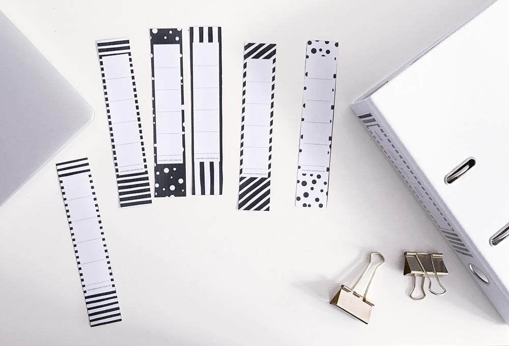 Mit diesen hübschen Etiketten für eure Ordnerrücken bringt ihr wieder Ordnung in eure Unterlagen. Einfach Freebie herunterladen und ausdrucken.
