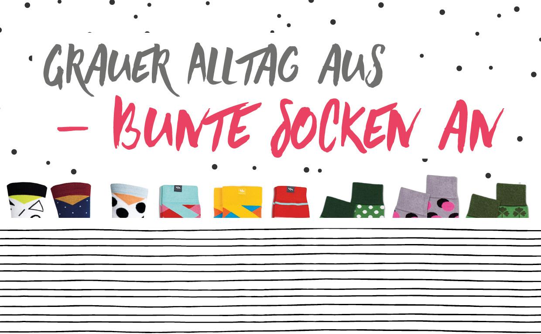 Grauer Alltag aus – bunte Socken an